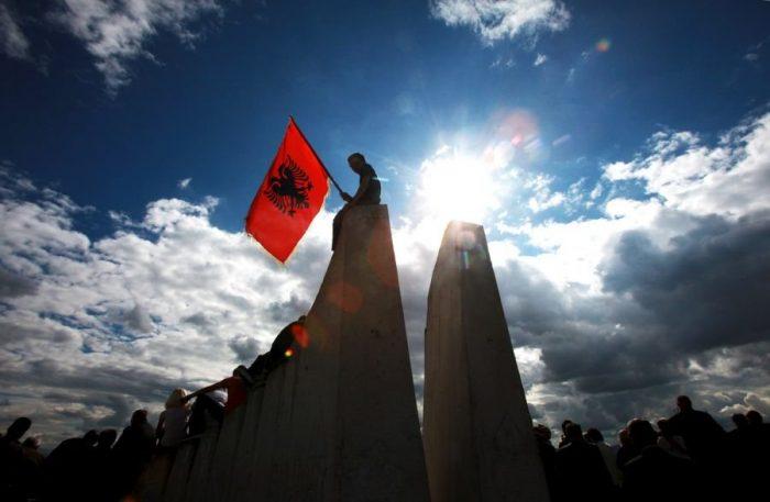 Magjia dhe mallkimi i Shqipërisë
