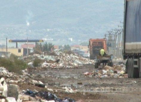 Të miturit në landfillin e Durrësit . Fëmijëria e tyre  mes realitetit të  harruar  dhe rrezikut nga ndotja