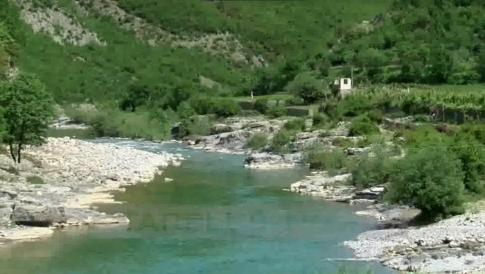 Një fshat i izoluar pak përtej Shkodrës…