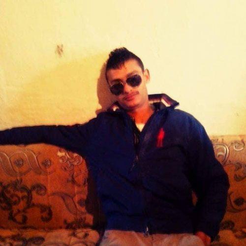 Policia që duam arreston djalin Egjyptian tek sa punonte për kafshatën e bukës.