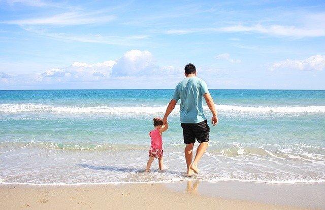 65% e shqiptarëve nuk kanë para për pushime