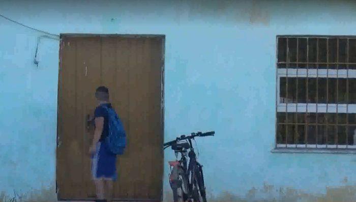 Të gjithë kanë shkuar në shkollë në këtë ditë të parë të këtij sezoni të ri por Franko nuk ka mundur.
