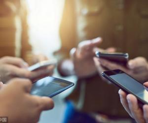 Tërë ditën në celular, konsumuan 46 për qind më shumë internet…