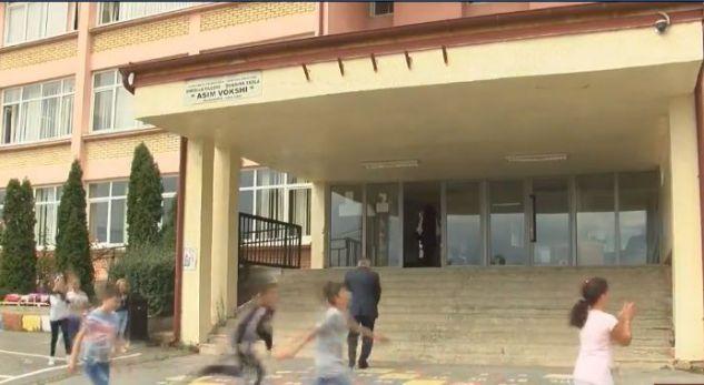 Prindërit i dalin kundër shkollës…rimodelimi i strukturave të klasës…