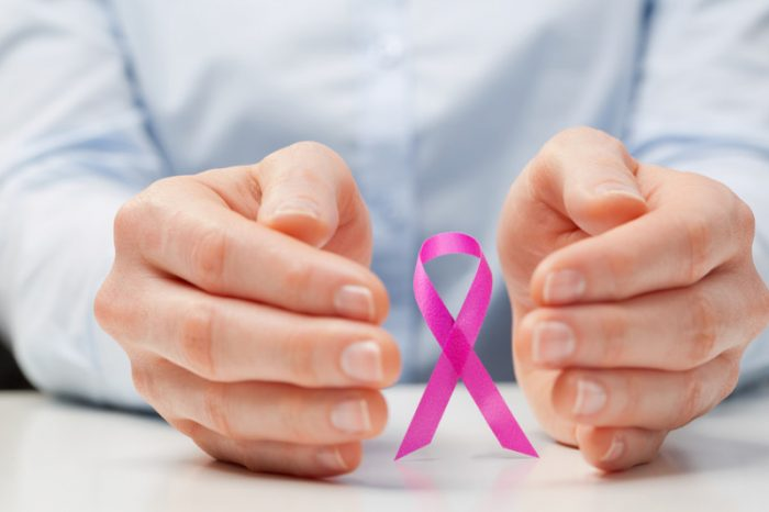 Ti mbijetosh kancerit të gjirit. Historia e mjekes 31-vjeçare
