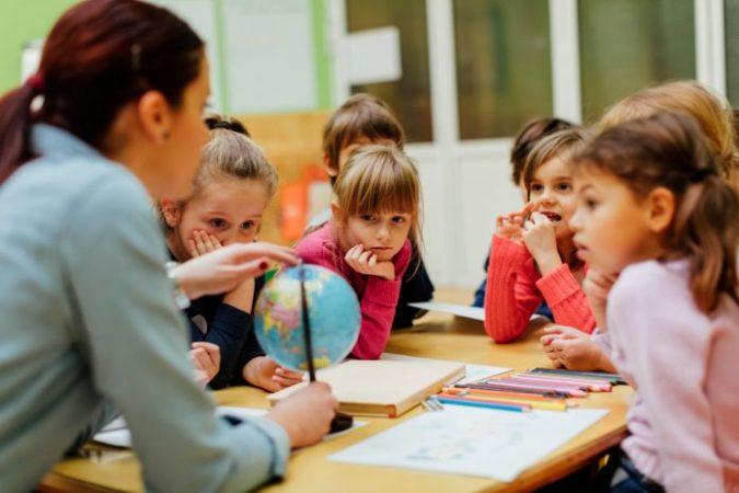Mungesa e mësuesit ndihmës për fëmijët me nevoja të veçanta…