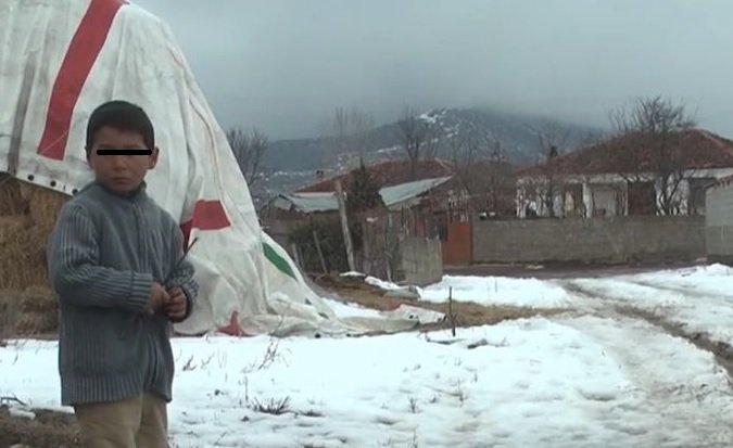 Jepet zgjidhje për katër fëmijët jetim në Sovjen të Korçës/ Video