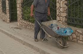 """Shkodër: Banorët e """"Fermentimit"""" pa ujë të pijshëm"""