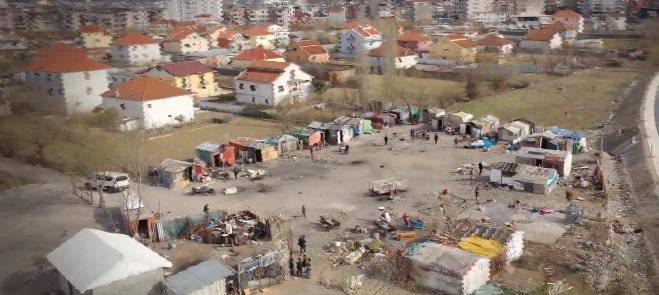 Pa shtëpi  dhe të harruar. Romët e Shkodrës (prej vitesh) kërkojnë 'një strehë ku të fusin kokën'