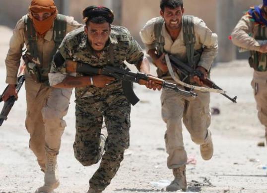 Shihnim trupat e masakruar, i kishin lënë për mesazh/ Shqiptari tregon se si luftoi pranë grupe komuniste kurde kundër ISIS në Siri