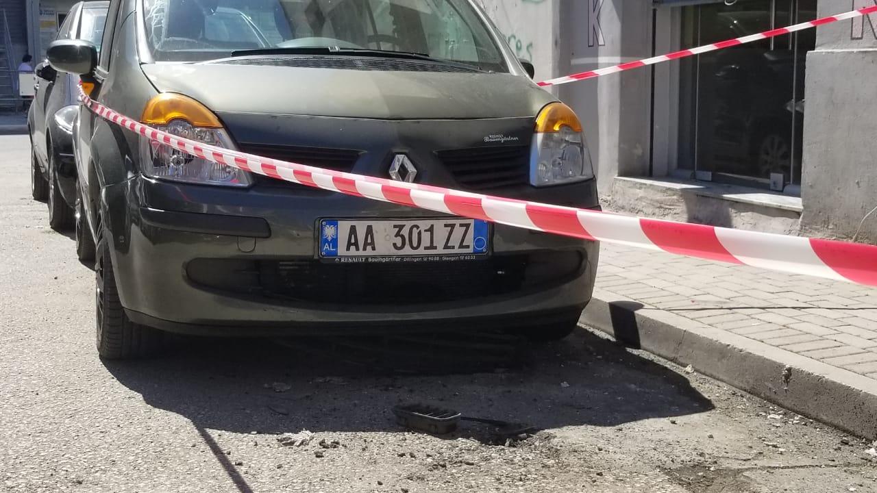 Skenë filmash në Elbasan, disa persona qëllojnë drejt një makine në ecje, i plagosuri dërgohet me urgjencë në spital