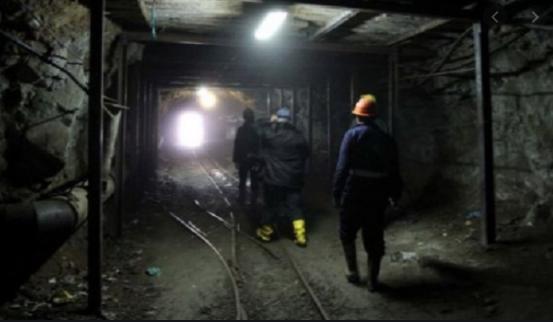 Plagoset një minator në një galeri në Bulqizë, niset me helikopter drejt Tiranës