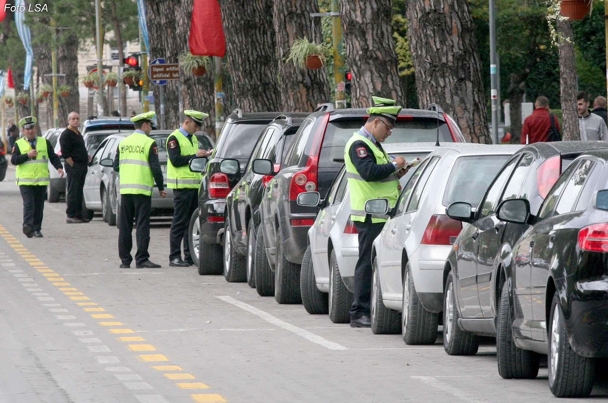 500 mijë lekë gjobë nëse nuk paguani siguracionin e makinës brenda 30 ditëve/ Konfindustria kërkesë Kuvendit: Mos e miratoni projekt-ligjin rëndon mbi xhepat e qytetarëve