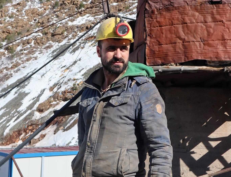 FOTO/ Kandidon si deputet i pavarur, policia gjobit me 50 milionë lekë minatorin Elton Debreshi