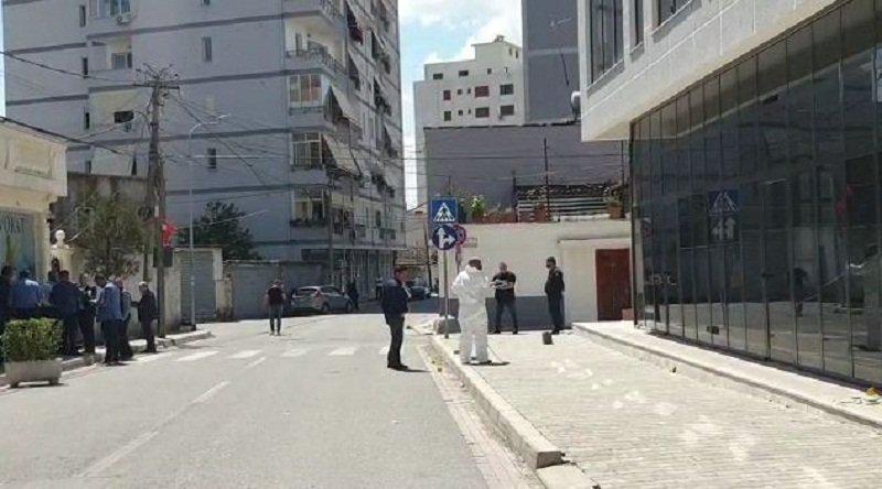 Detaje nga ngjarja e rëndë – Ndërron jetë gruaja që u qëllua me armë nga bashkëshorti në Elbasan