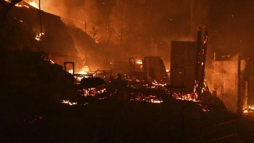 Zjarri shpërthen në kampin e emigrantëve, duke detyruar evakuimin e 550 personave