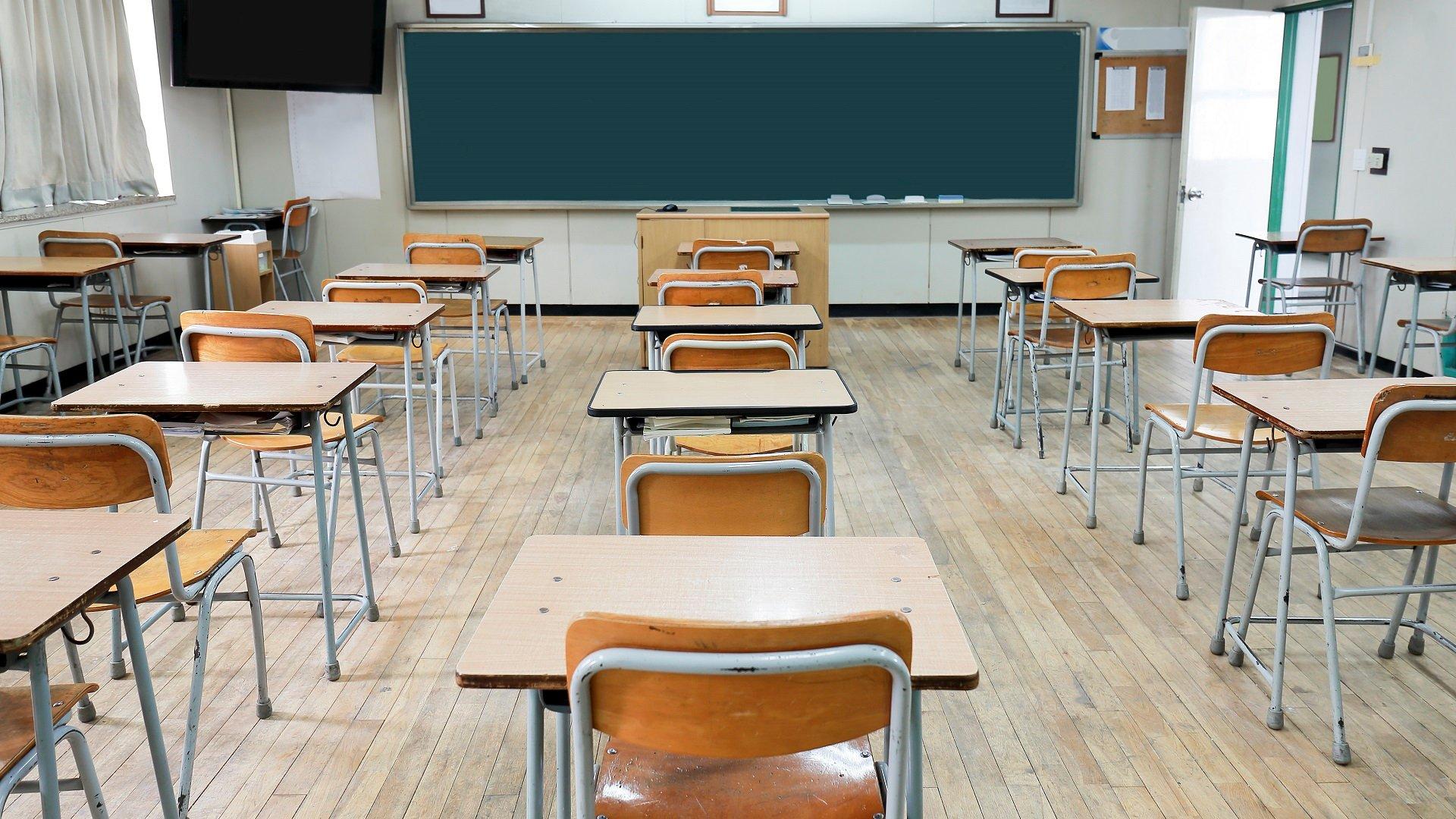 Elbasan/ Ikin banoret, mbyllen 4 shkolla