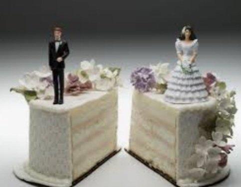 I martuar vetëm prej tre ditësh sulmon gruan e tij për të ndarë shpenzimet e dasmës