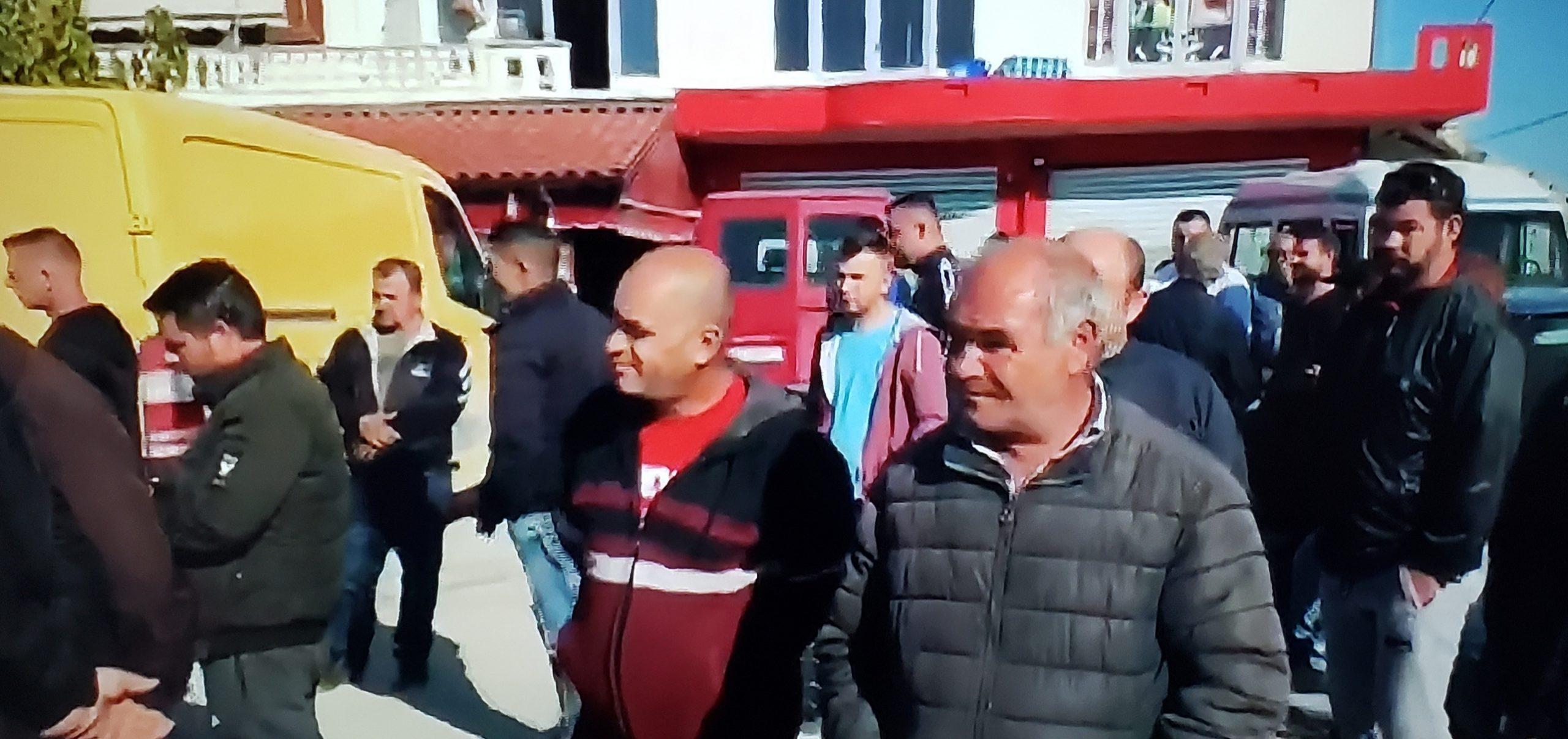 Fermerët në protestë/Jemi të diskriminuar nga ministria e Bujqësisë
