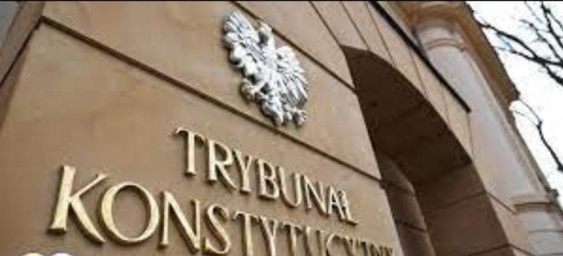 Gjykata kushtetuese e Polonisë ka vendosur që disa ligje të Bashkimit Evropian bien ndesh me Kushtetutën e Polonisë.